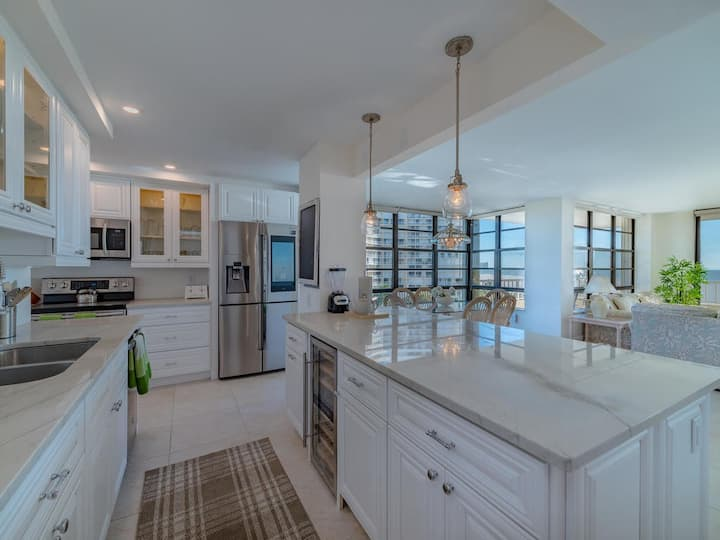 End Unit w/ Top of Line Finishes / Crazy Wide Gulf Views!