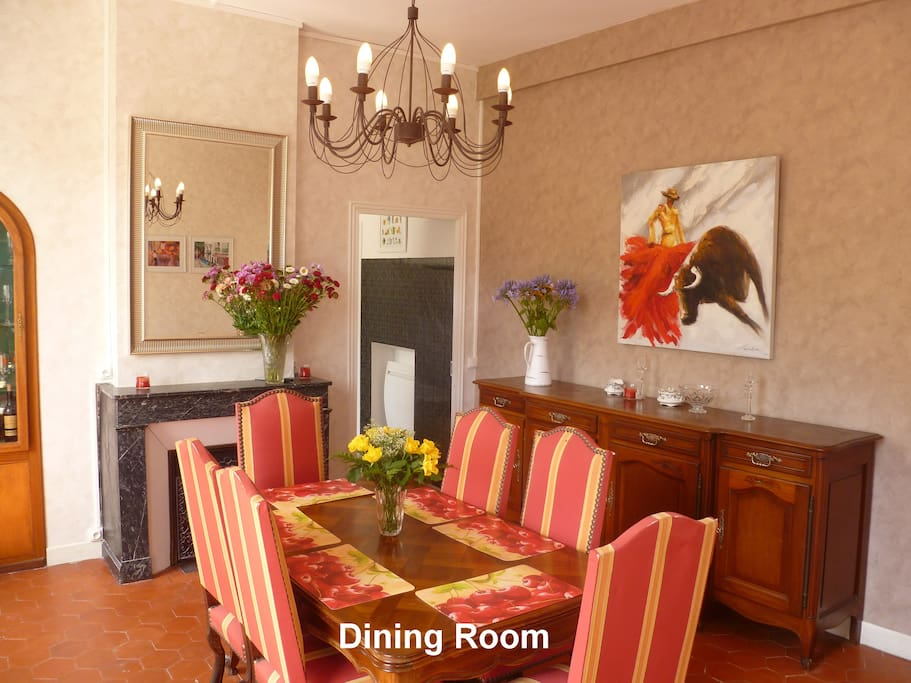 The Dining Room can cater for up to 10 diners.