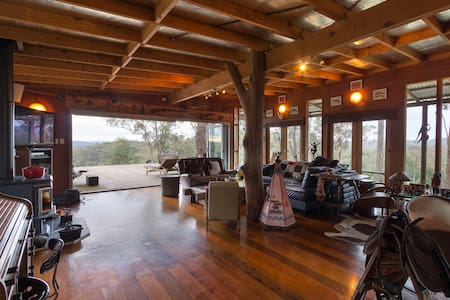 Funky Wild West In The Aussie Bush - Bucketty - Hus