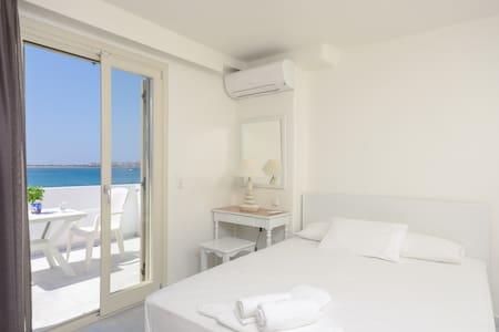 Junior suite with sea view - Νάξος