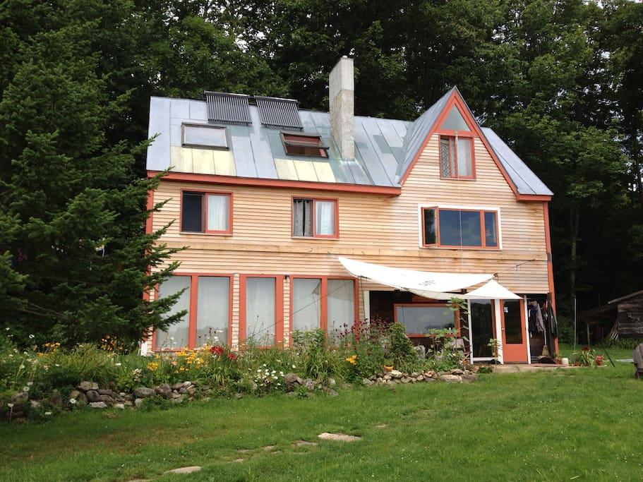 Eco friendly farm house houses for rent in bowdoinham for Maine eco homes