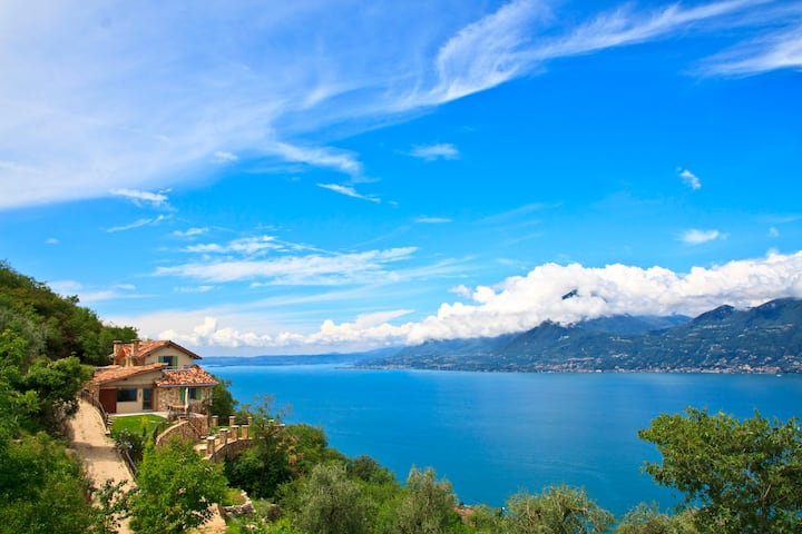 Private luxury villa with great lake views