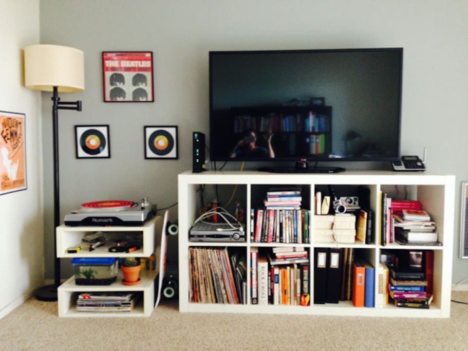 50in LED TV w/ Cable, WiFi, Record Player, Betta Fish!