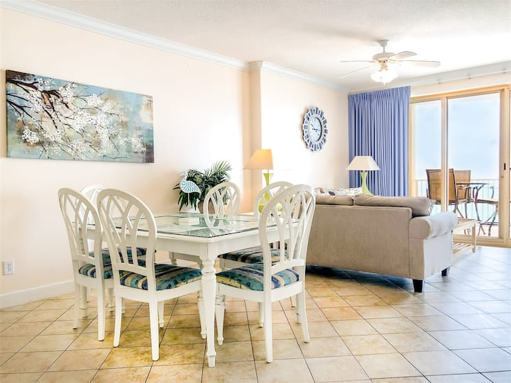 Ocean Villa 1302 - Gorgeous 2bed/2bath, private balcony with breath taking views!