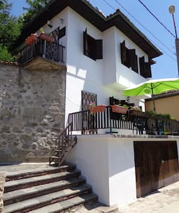 Hostel SkyView Sopot Bulgaria - 索波特 - 住宿加早餐