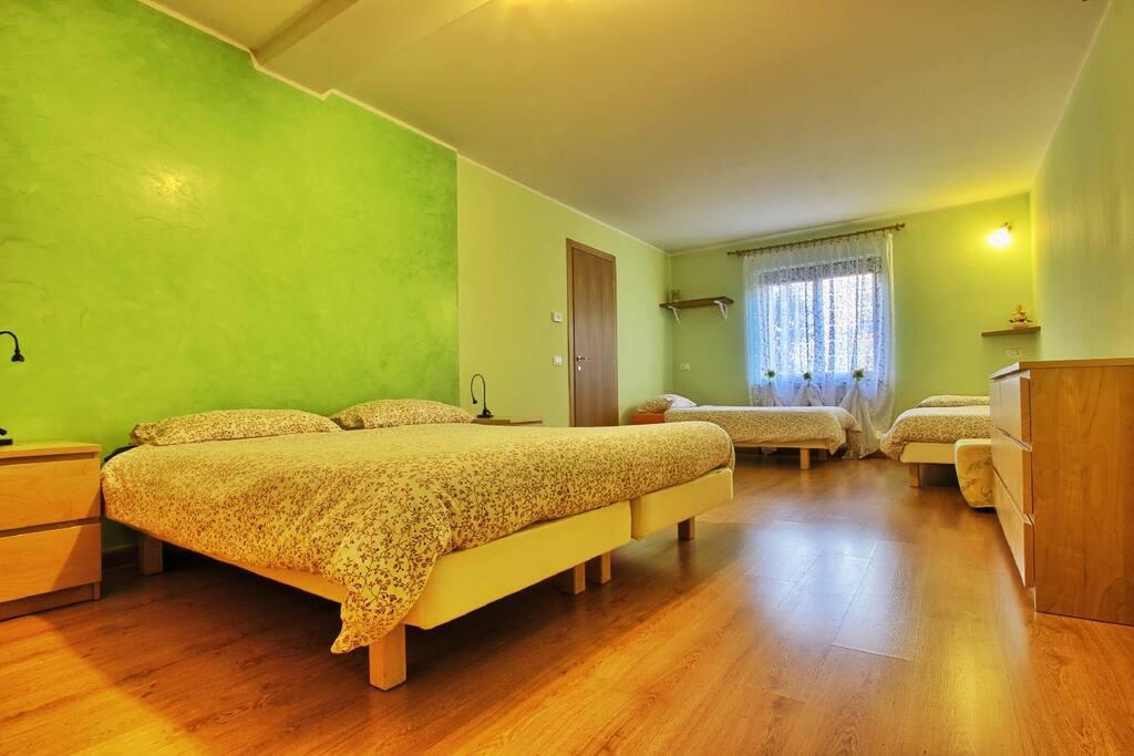 4 bed room bed breakfasts zur miete in buia friaul julisch venetien italien. Black Bedroom Furniture Sets. Home Design Ideas