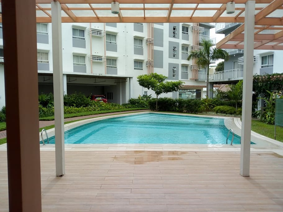 2 sized pools