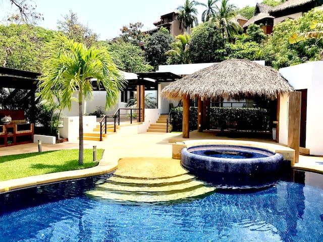 Excelente Casa a solo 200 Mts  de Playa La Ropa