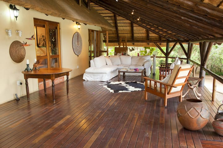 Kingfisher Lodge your quiet haven  - Sandton - Hus
