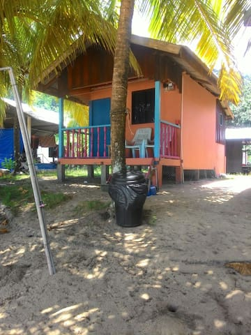 Amazing Beach Front Permata Chalet Fan Room