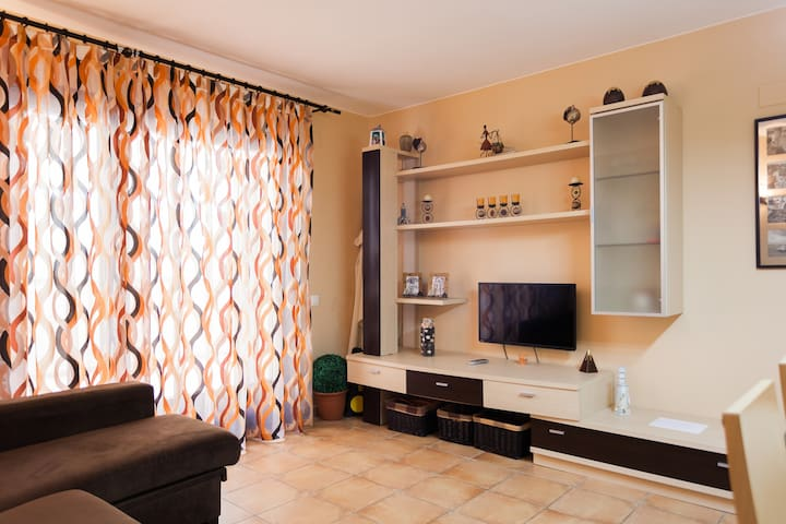 """Apartment 100 meters from the beach with """"Wifi""""."""