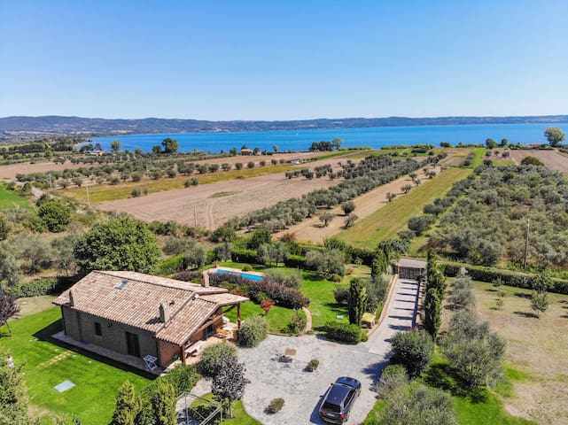 House with private pool 500m from lake Bolsena