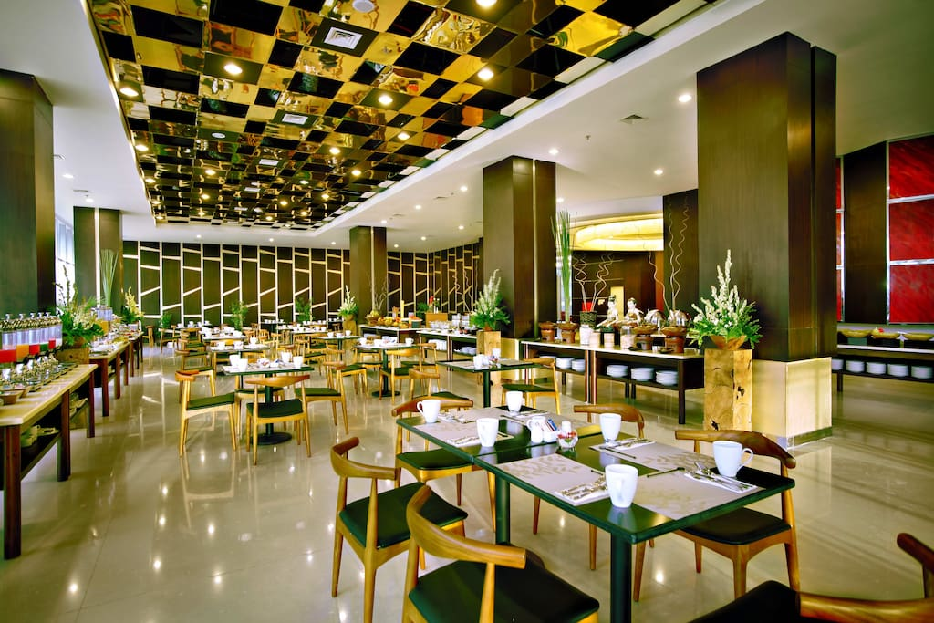 Pamiluto Restaurant, 142 seating capacity serve breakfast, lunch and dinner