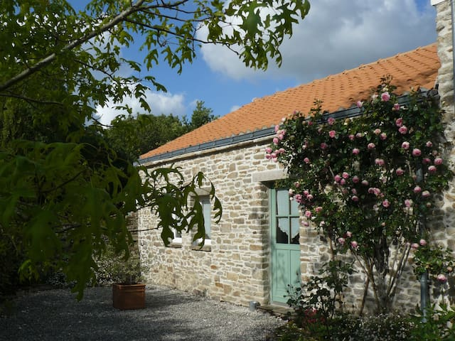 Le Grand pré 44360 - Saint-Étienne-de-Montluc - Bed & Breakfast