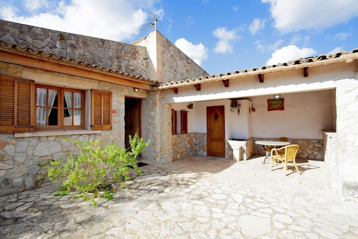 Peaceful Abode in Lovely Holiday Home at foothills of the Campanet valley