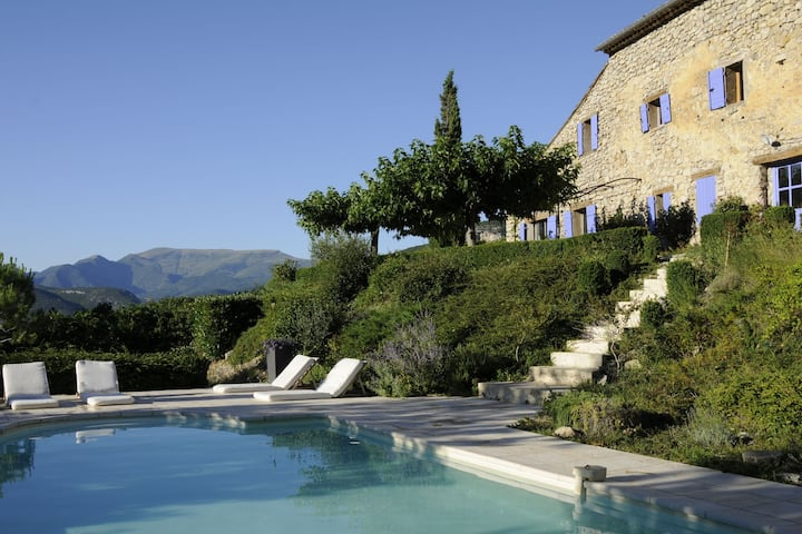 Lush Villa in Montaulieu with Swimming Pool