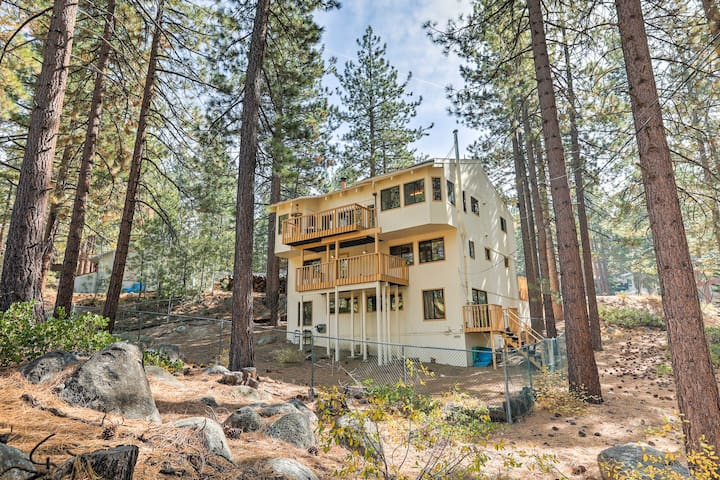 NEW! Remodeled 4BR House 2 Miles From Lake Tahoe!