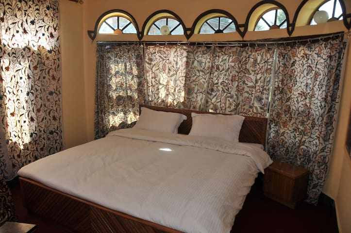 One of our luxurious rooms.