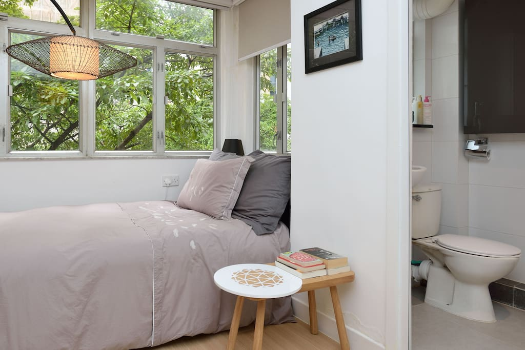 Hong Kong Entire Home Apt 1 Bed 1 Guestbright Studio In The Heart Of Hk Apartments For Rent