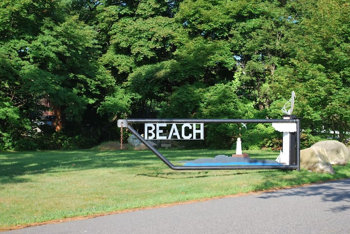 Kingston Shores Cottage and Beach