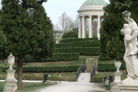 Querini Park GuestHouse - n.1 class - Vicenza - Bed & Breakfast