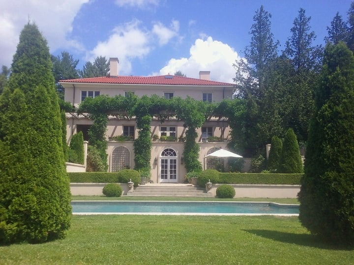 Berkshire estate with heated pool, views & privacy