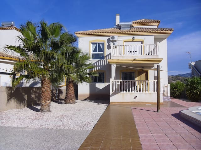 3 bed/3 bath villa. Private pool - Castalla - Casa