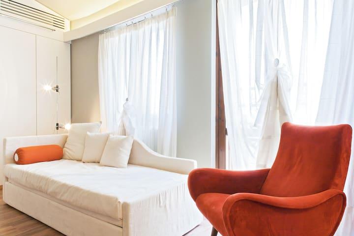 a bright hideaway, LaScalettaBianca - Verona - Apartment