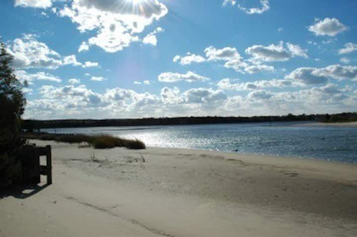 Waterfront Home -- Most Swimmable Hamptons Beach !