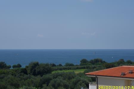 Nice place with pool - Zambrattia - Apartemen