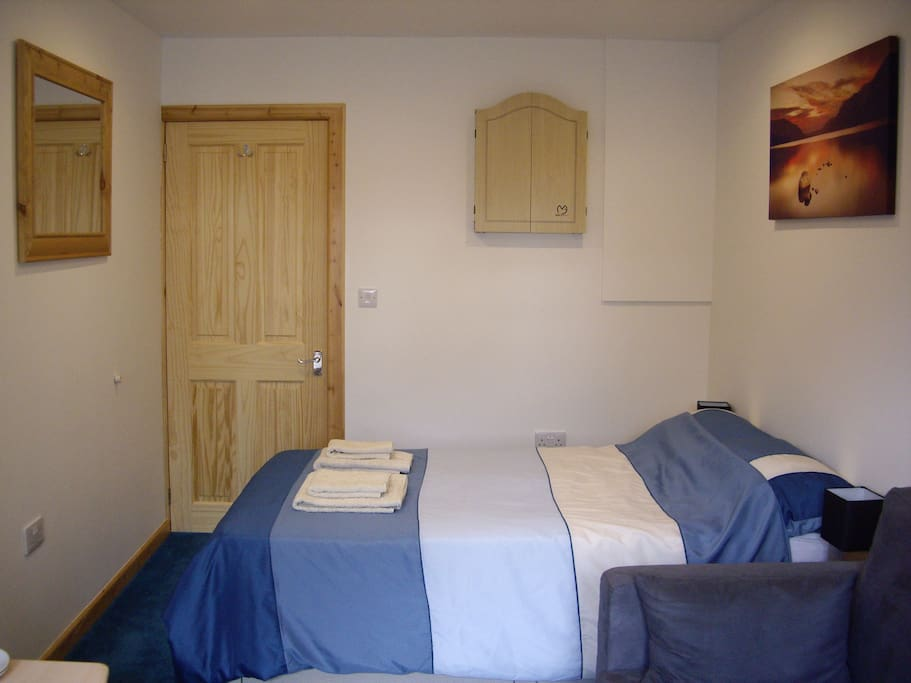4' double bed