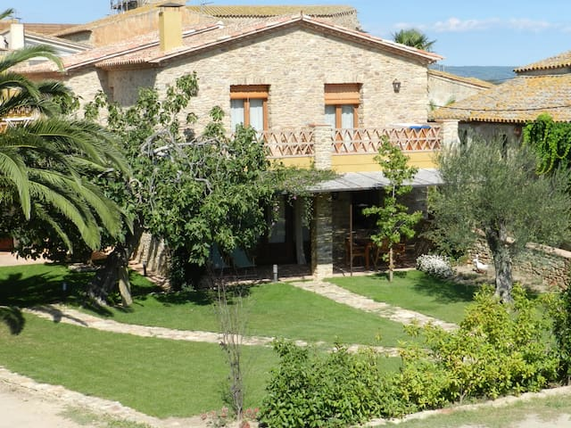 CASA RURAL 2/4 PAX -  COSTA BRAVA - RELAX TOTAL