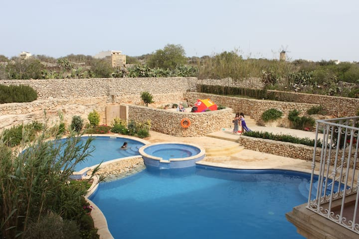 Large Family Apart. with shared pool in Gozo,Malta