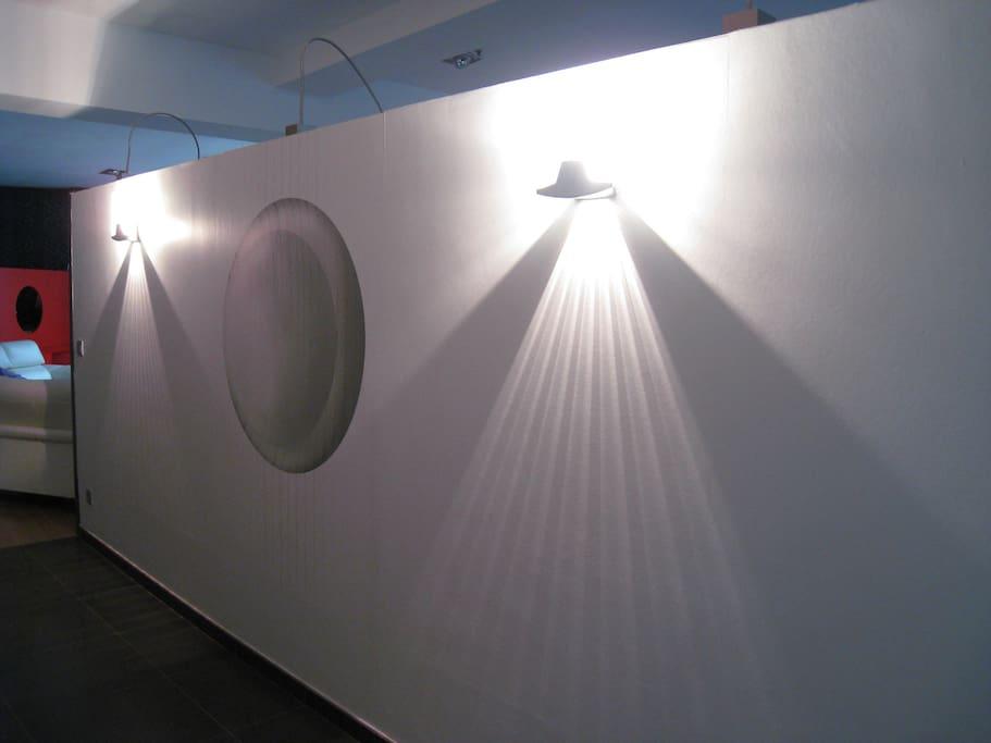 hall d'entrée (juste un mur séparant l'entrée de l'espace loft)