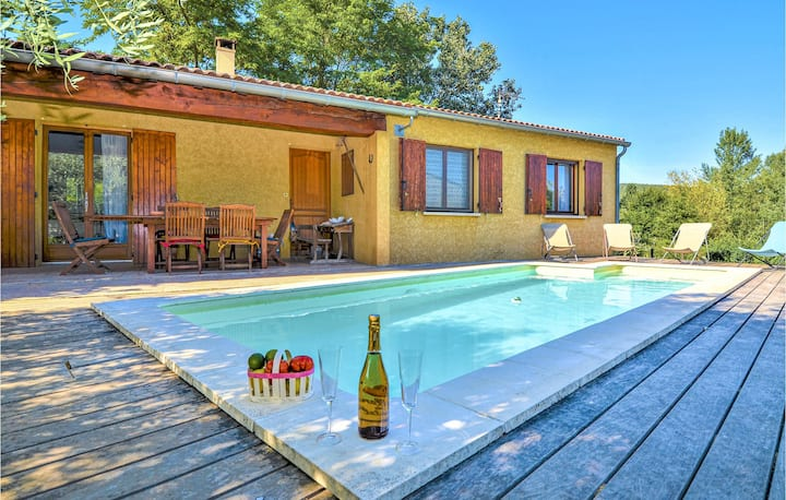 Nice home in St. Andre de Roquepert with WiFi, Outdoor swimming pool and 3 Bedrooms