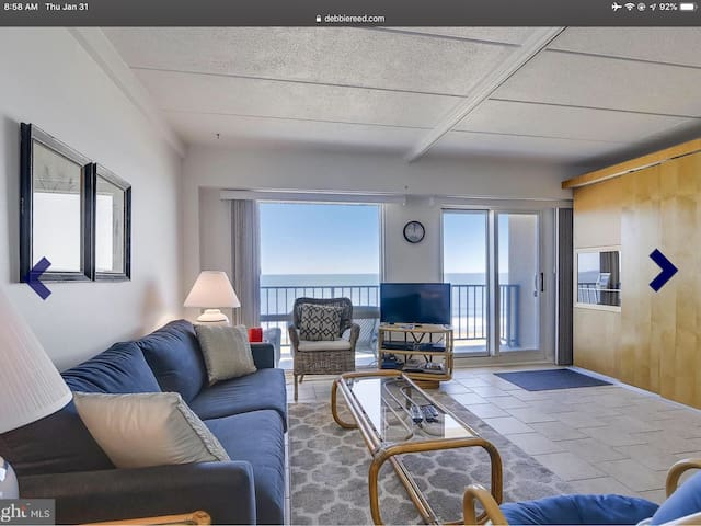 Oceanfront Studio right on Rehoboth Boardwalk!