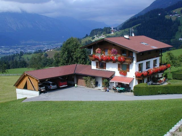Mountain apartment w 2 balconies - Weerberg - Apartament
