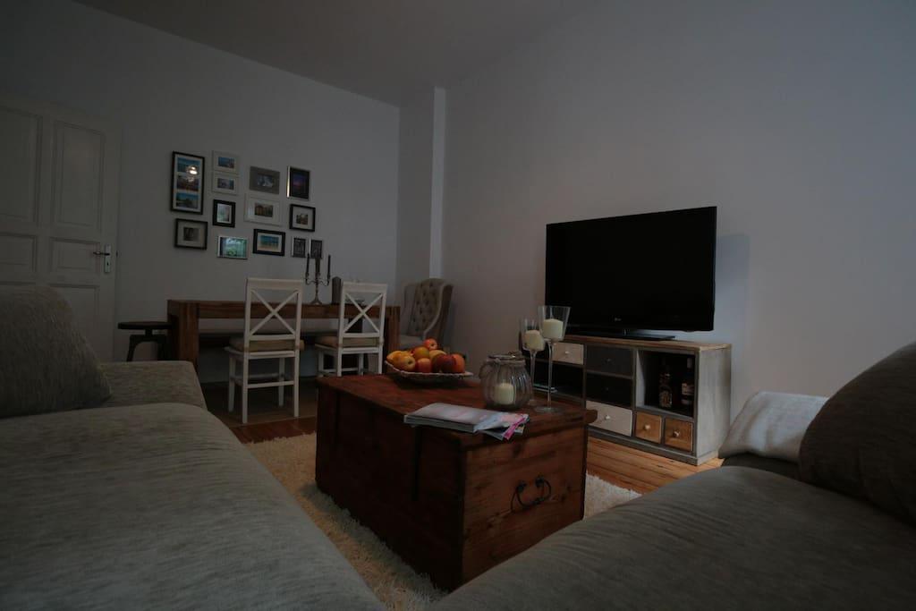 Essbereich ins Wohnzimmer integriert