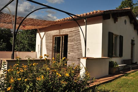 "1 BR Cozy cottage ""I tre ciliegi"" - Matelica - Bed & Breakfast"