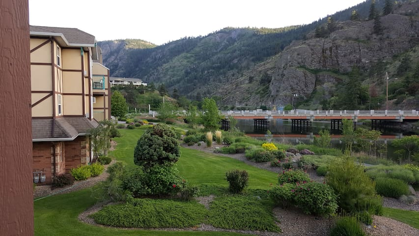 A South Okanagan experience, year round. - Okanagan Falls - Appartement en résidence