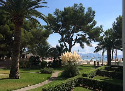 Contemporary Apartment in front of Alcudia beach - 阿尔库迪亚 - 公寓