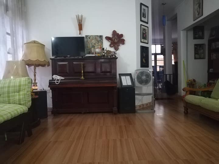 Live Life Home Stay - Double Room
