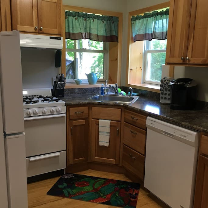 For Rent Efficiency: Efficiency Apartment-Dartmouth Area