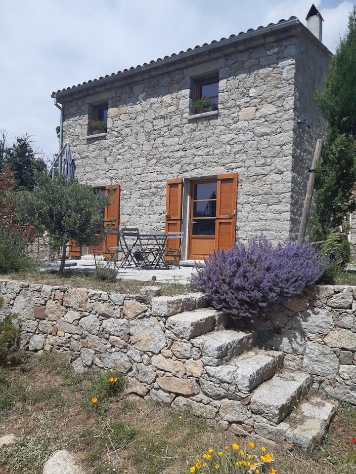 Monte Cinto : Authentic House & Garden