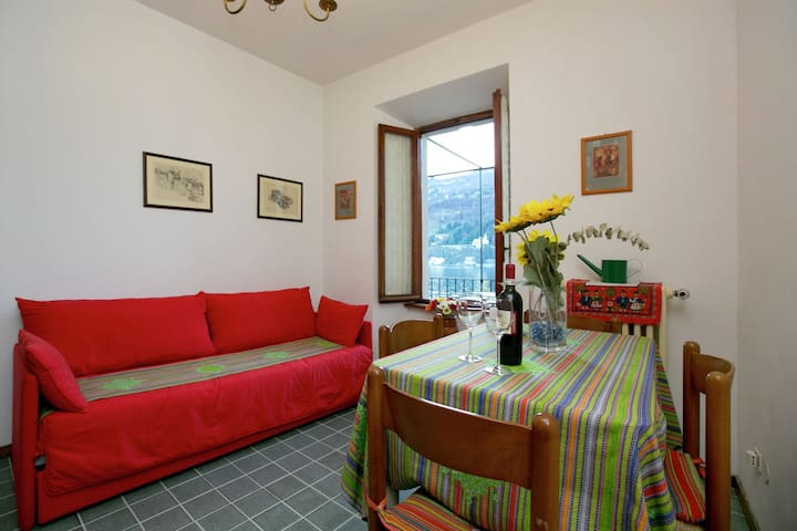 Enticing Apartment in Stresa with Balcony & Lake Views