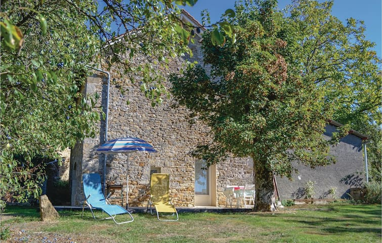 Holiday cottage with 1 bedroom on 48 m² in Causse et Diege
