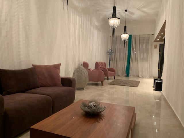 Magnifique villa à louer à Oran Canastel