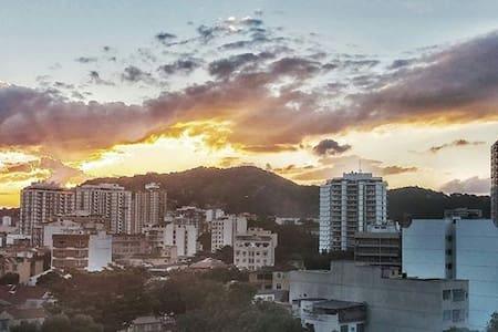Ótimo quarto para hospedagem próximo ao Maracanã - Rio de Janeiro