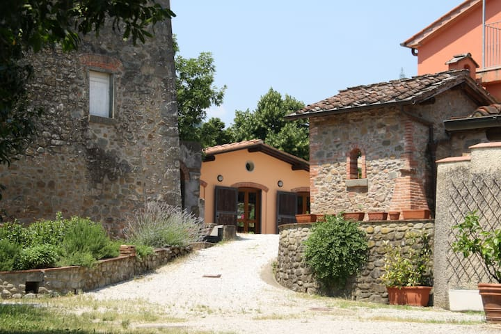 "Country House ""Il Cantastorie"" - Montecatini Terme - Byt"