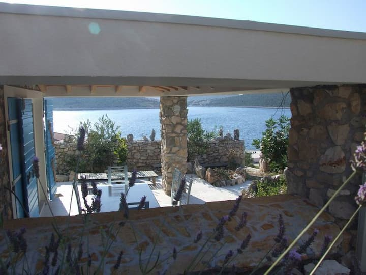 Small stone authentic house (2+2) by Beach, Sevid!